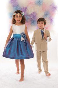 Niños de arras blanco y azul