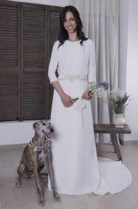 Vestido de novia Nicola con encaje en cuerpo