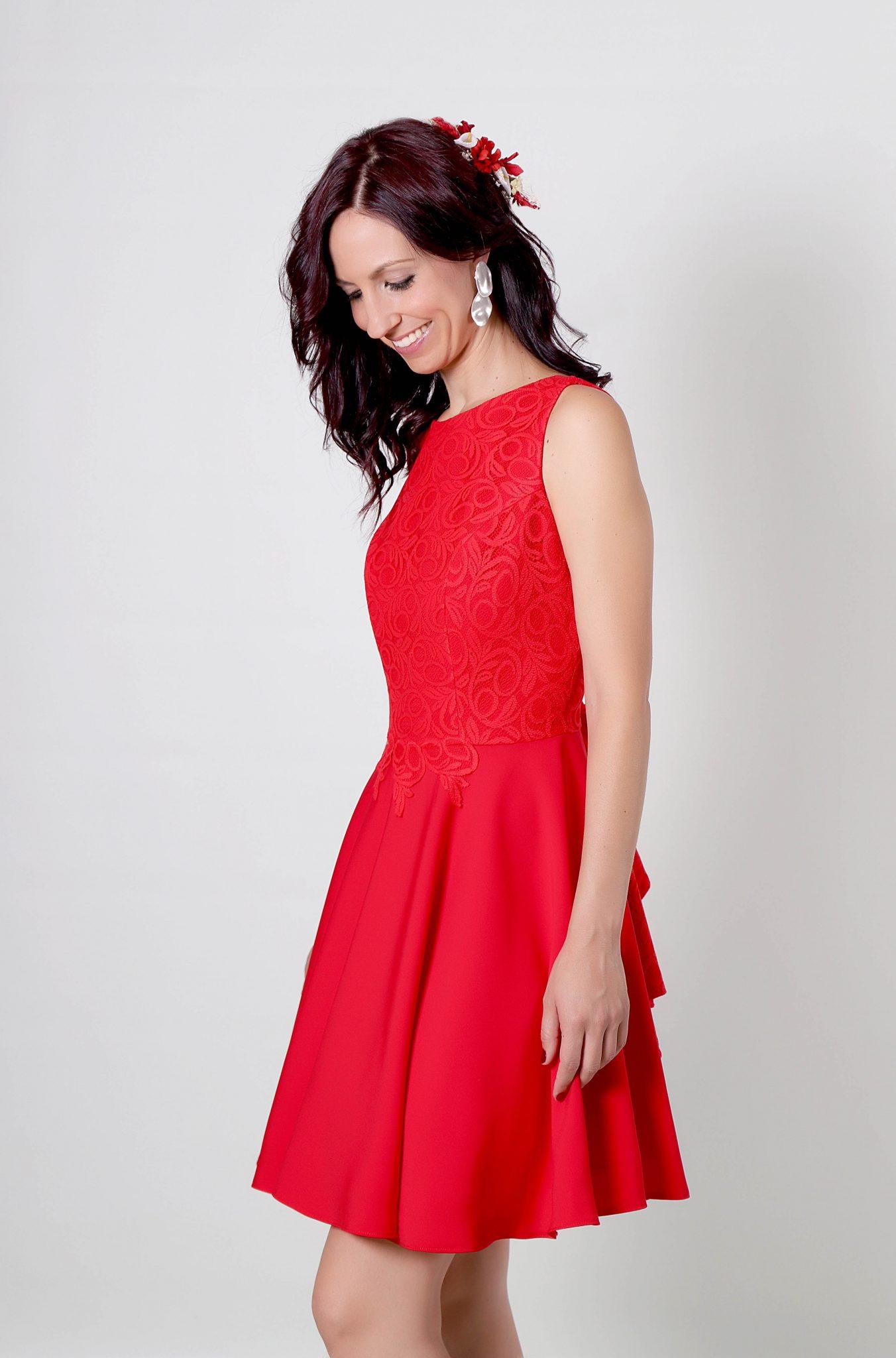 Paty Vestido Rojo Para Fiesta Con Cuerpo De Encaje