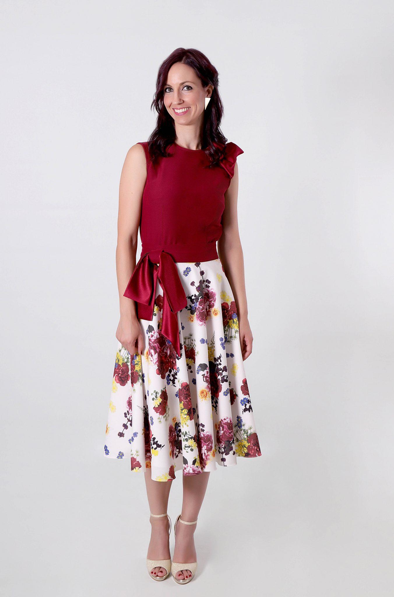 f3039de24 Falda midi Sanccia con estampado floral tonos rojizos