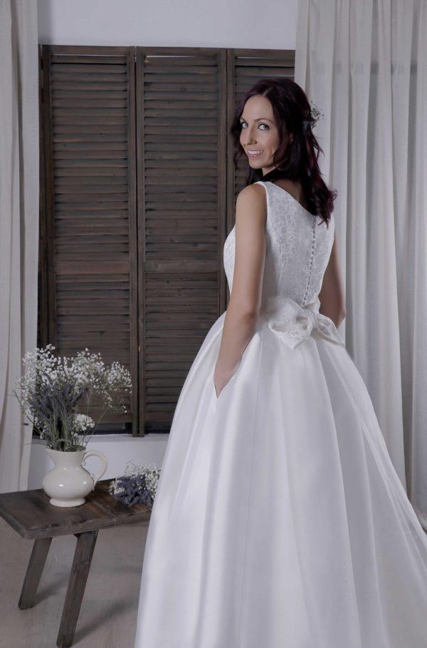 Vestido Arabela cola novia postiza