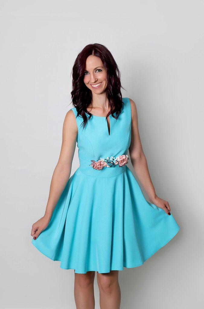 Invitada de día con vestido Kussia