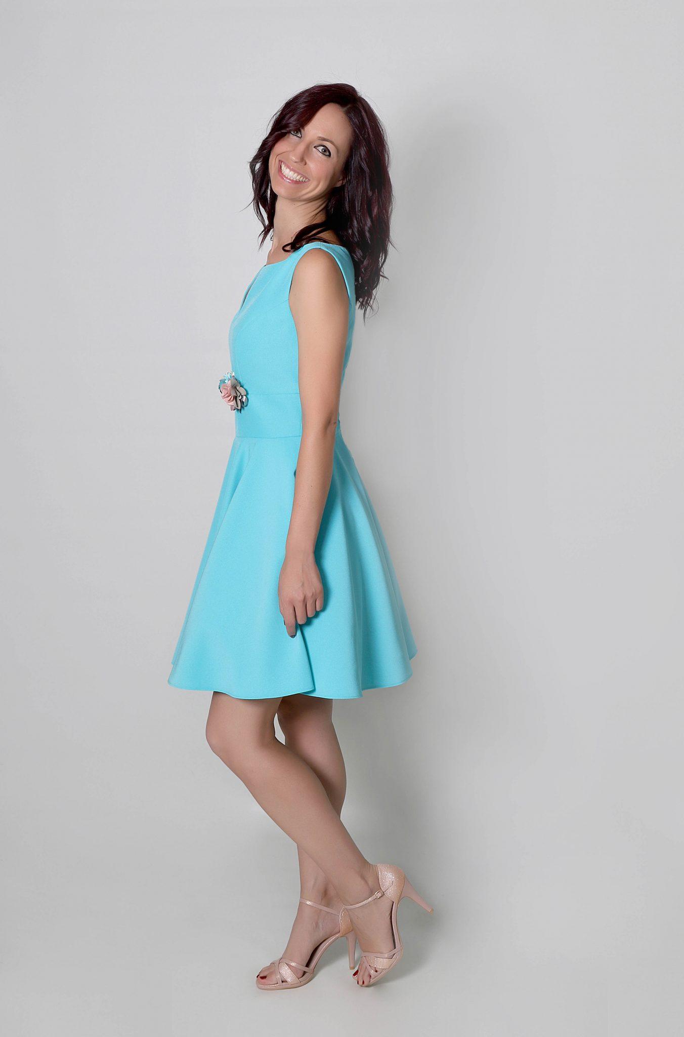 042fd6d6a8 Kussia vestido en crepé para invitada en azul hielo - Todo Ceremonia