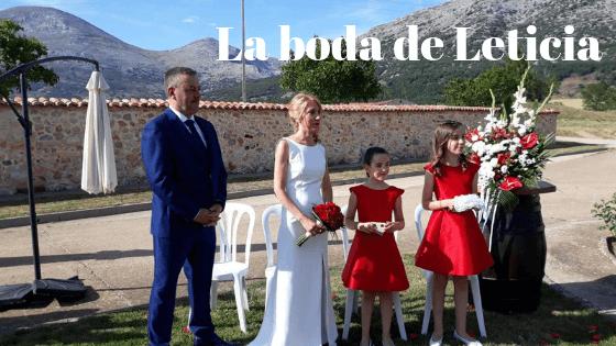 Leticia y su vestido de novia con espalda de vértigo y pedrería
