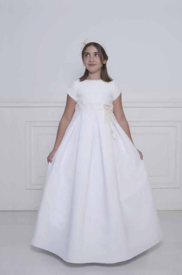 Vestido de primera comunión con manga corta