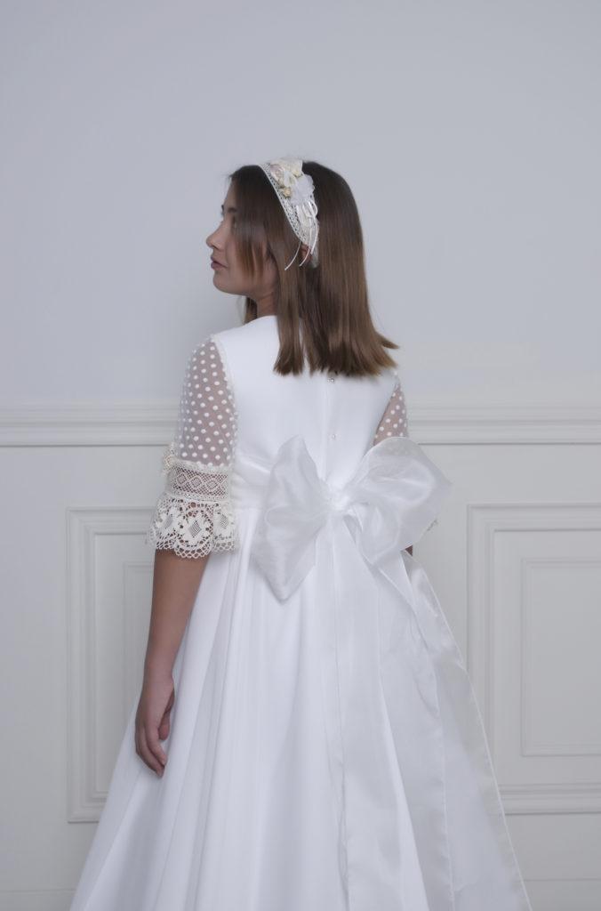 Vestido de primera comunión estilo princesa