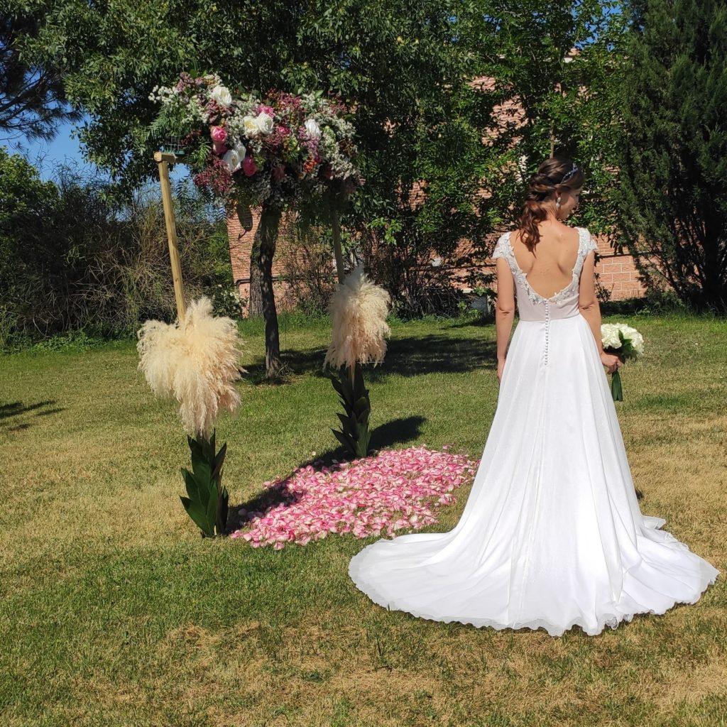 Vestido novia falda capa