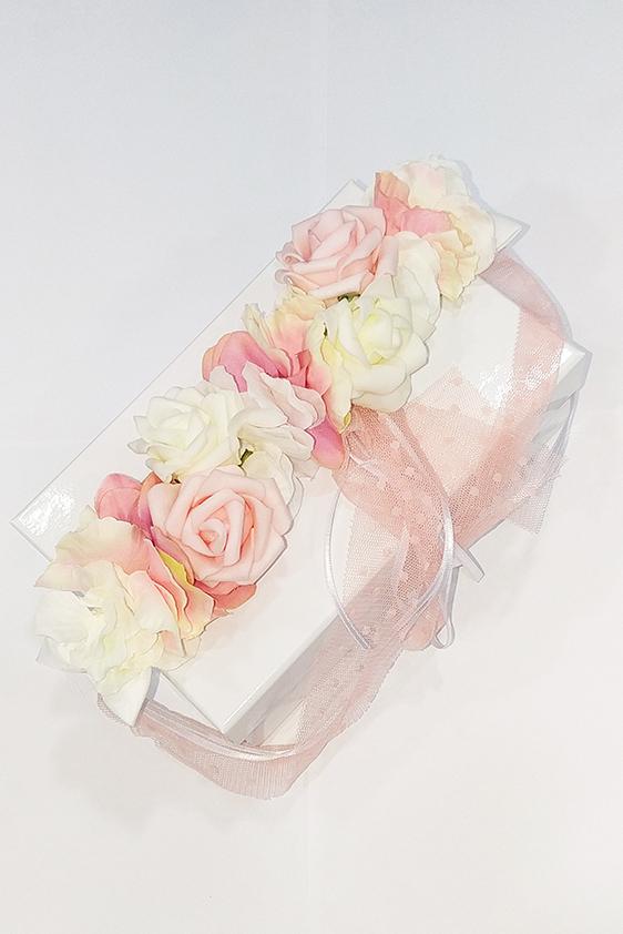 Corona flores rosas comunión