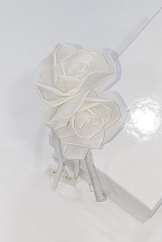 Diadema flores blancas comunión