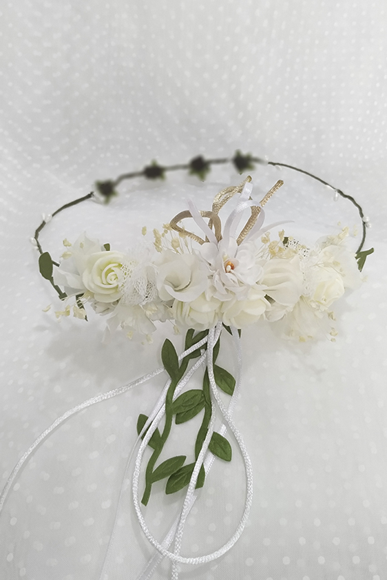 Corona con prendido trasero blanco